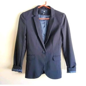 H&M black fitted blazer lined